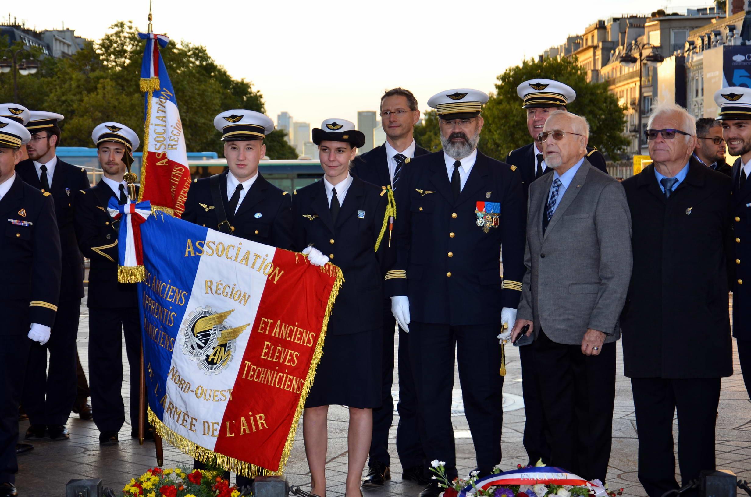 RAVIVAGE DE LA FLAMME SACRÉE PAR l'AETA 124