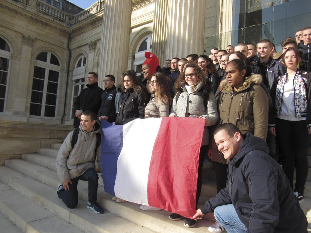 La vie à l'Ecole: Arpète citoyen à Paris 9