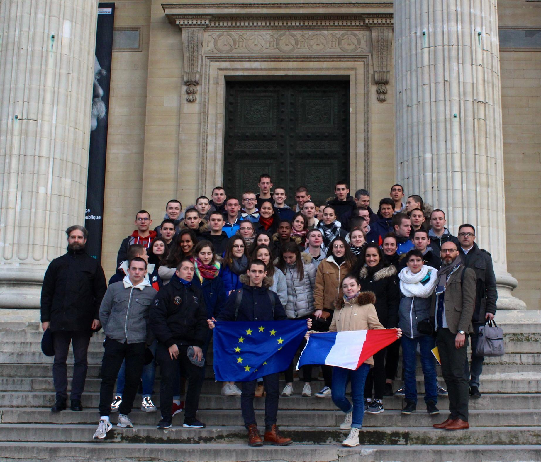 A Paris,Arpètes citoyens! 16