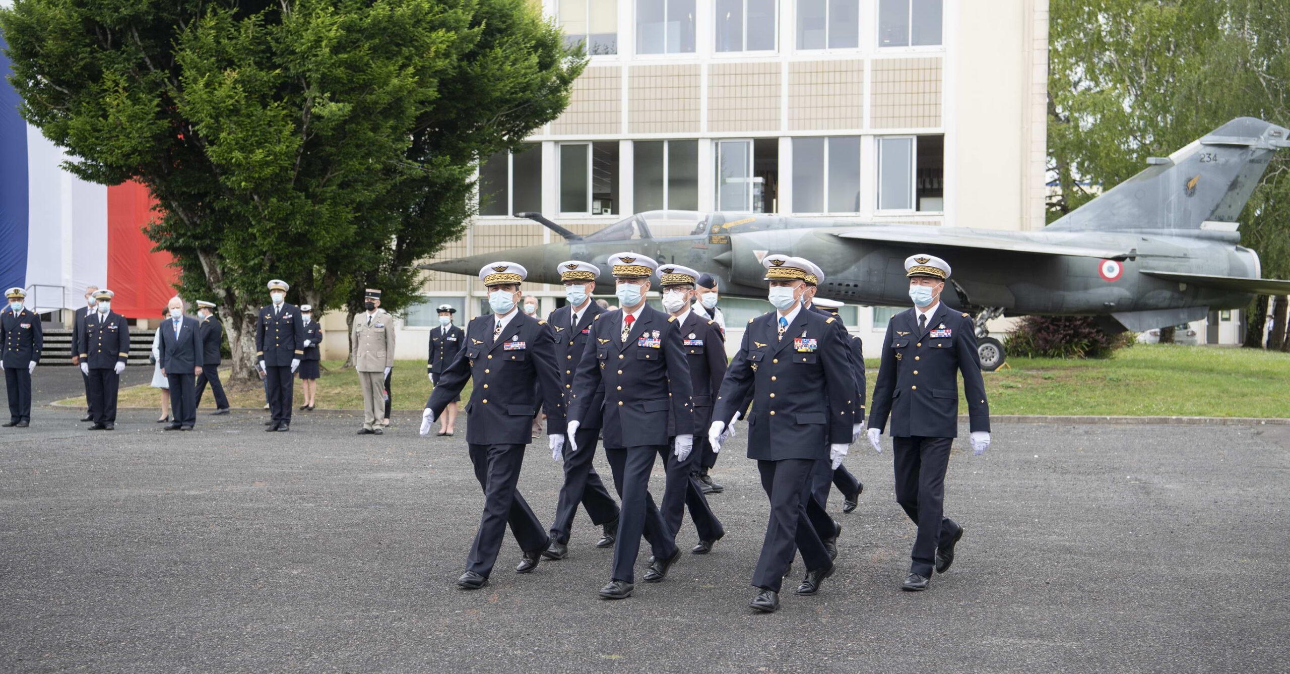 L'ADIEU AUX ARMES DU GENERAL DE CORPS AERIEN DIDIER LOOTEN (P87) 2